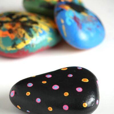 kurybiniai uzsiemimai su akmenimis